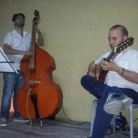 Les Deux Guitares