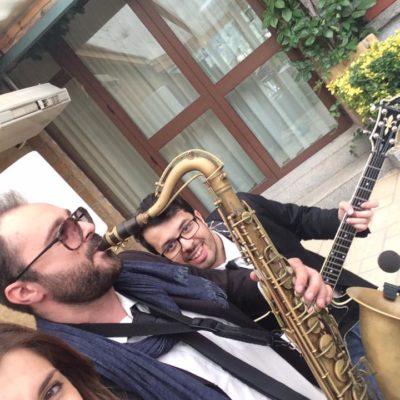 Musica, allegria e divertimento, con Anna e i saxobar!